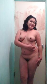 Foto Selfie Bugil Tante Montok Sebelum Mandi