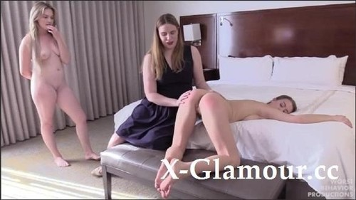 Alex Reynolds Spanks Jill Kassidy And Britney Light [HD]