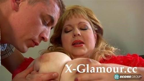 Angellyne Hart - Pumping The Plumper (HD)