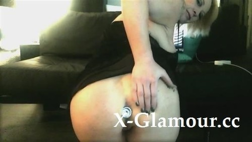 Amateurs - Curvy Blonde With A Buttplug Drills Her Pussy With A Dildo (HD)