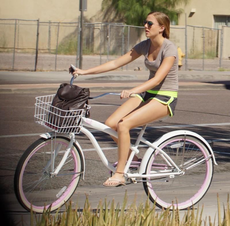 cyclist babe in candid yoga shorts