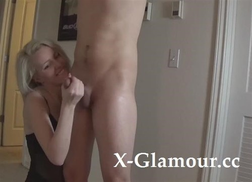 Amateurs - Cute Girl Jerks Off Her Man And Plugs His Ass [HD/720p]