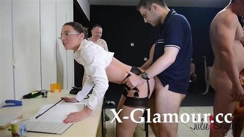 Slutty Secretary [HD]