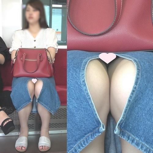 [4K動画][顔出し]美肌お姉さんの深いスリットから見えてる純白パ〇ツ[ドアップあり]電車からの風景~