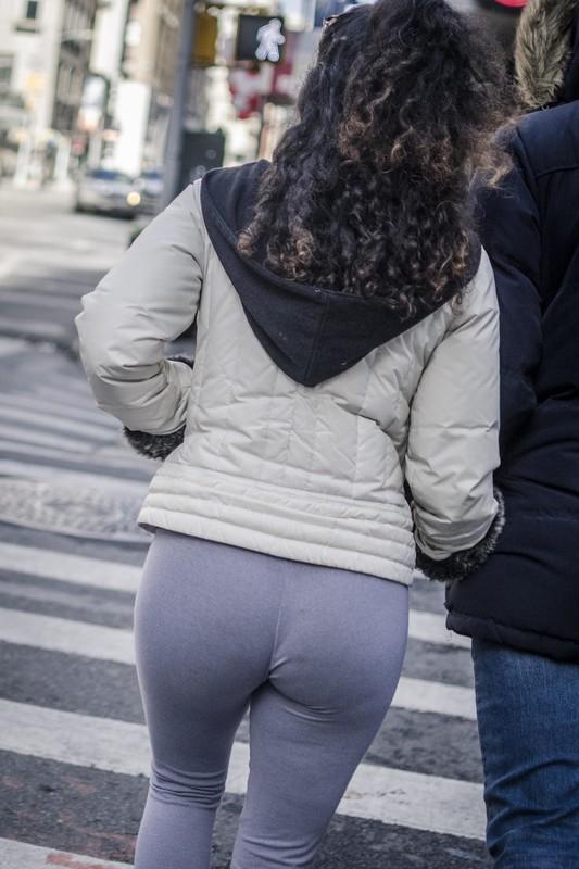 winter booty in candid leggings