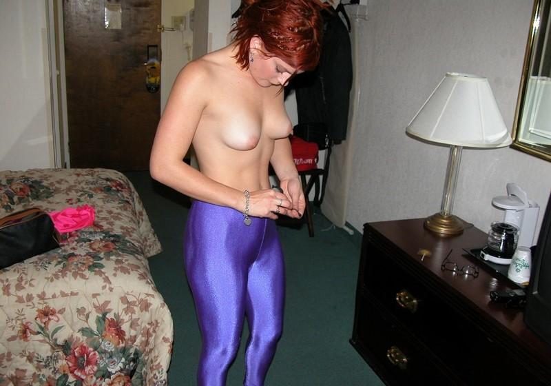 aerobics babe Estelle in pink leotards & purple leggings