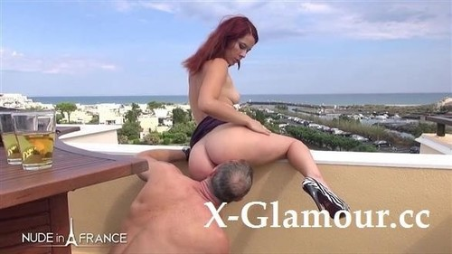 Pretty Redhead Babe Discovering Naturism At Cap [SD]