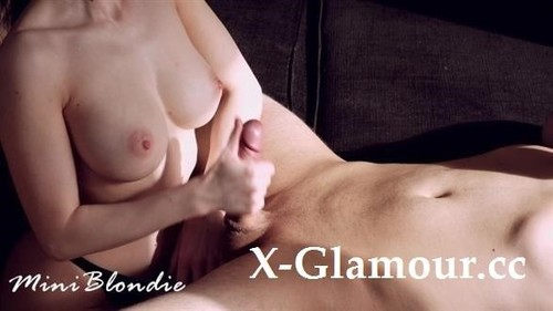 Extremely Hot Girlfriend With Perfect Tits Makes Me Cum - Miniblondie [FullHD]