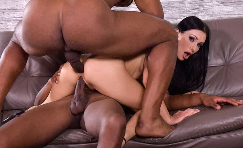 Sasha Rose - Blue-eyed Babe Gets Both Her Drains Scoured Out By Well-endowed Black Plumbers  [FullHD 1080P]