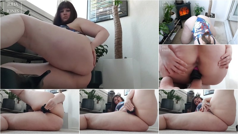 Julia-Jones - Hot Ass - Pussyfuck with Dildo (1080P/mp4/120 MB/FullHD)