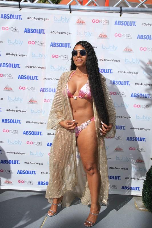 hot black chick Ashanti in sexy bikini