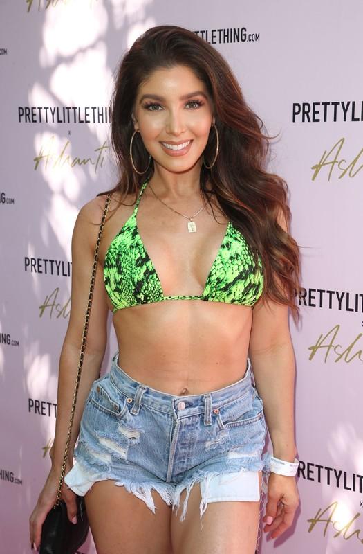 lovely babe Melissa Molinaro in bikini top & denim shorts