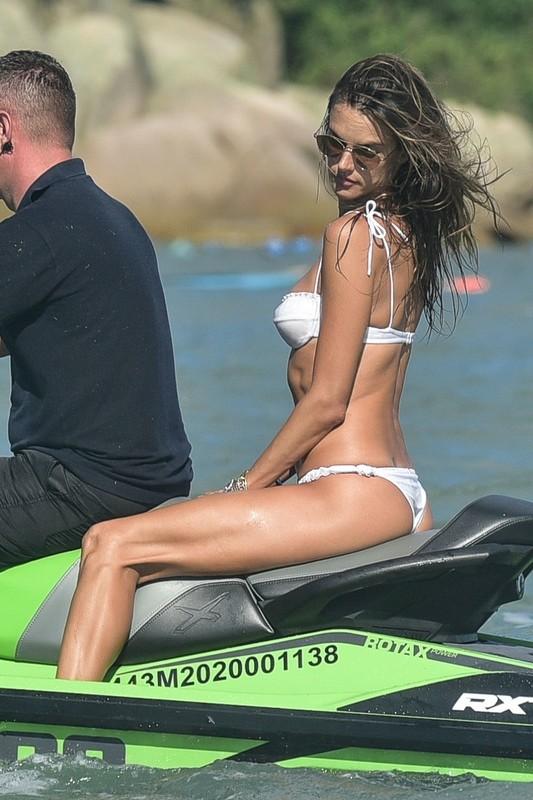 stunning milf Alessandra Ambrosio in white bikini