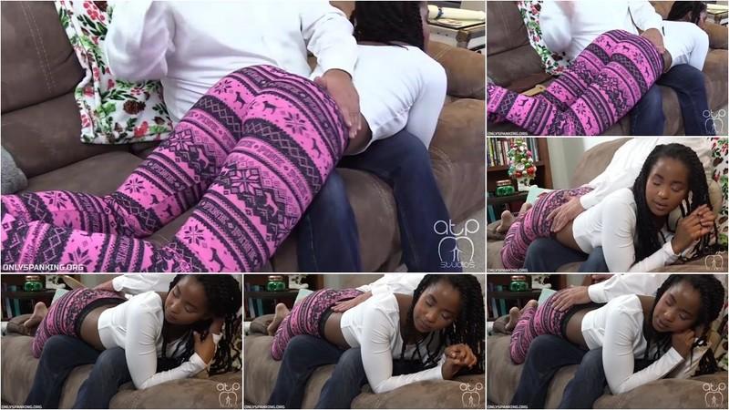 Ivy Sherwood - Pajama Spanking Otk [HD 720p]