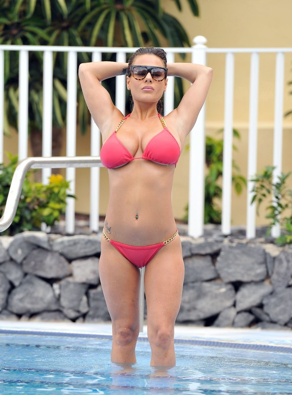 stunning lady Chantelle Connelly in red bikini & yogashorts
