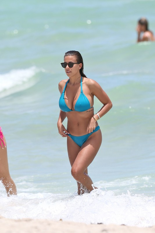 Natasha Oakley & Devin Brugman in sexy bikinis