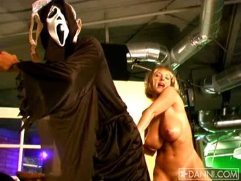 Danni Ashe - Scary Boobies, 432p