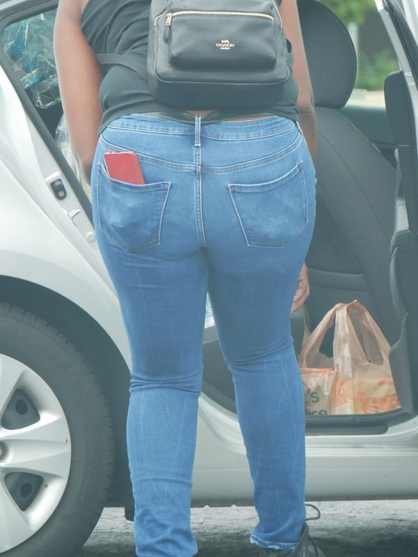 african american booty in tight jeans