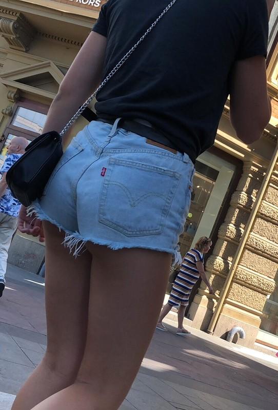 magnificent college teen in denim shorts