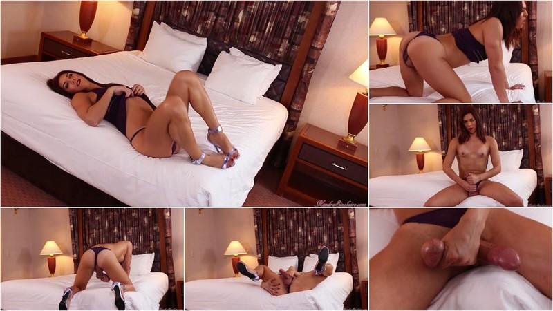 Kendra Sinclaire - Purple Lavender [HD 720p]