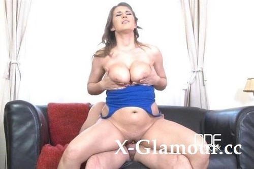 Aida Swinger - The Horny Gardener - Busty Babe Gets Jizzed On Natural Tits (FullHD)